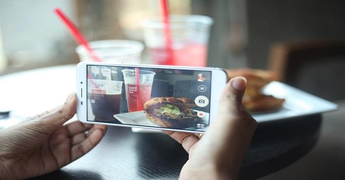 Warum ihr euer Handy-Display reinigen solltet